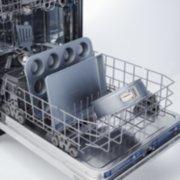 dish wash safe springform pan image number 2